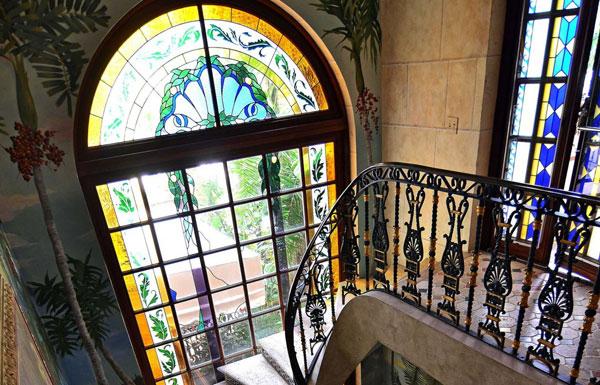 Витражные окна в Вашем доме – плюсы и минусы