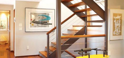 Лестница в частном доме. Какую выбрать