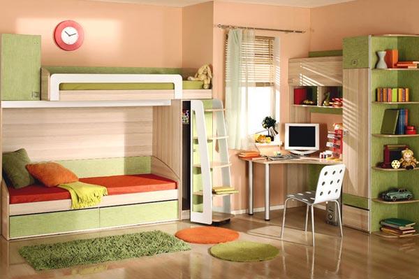 Стулья и столы для детской комнаты