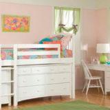 Кровать-чердак - превосходный вариант для небольших квартир